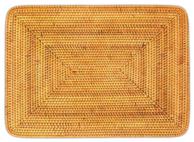 У этой салфетки (плетен) прямоугольной 60435 изящное плетение в естественной окраске.