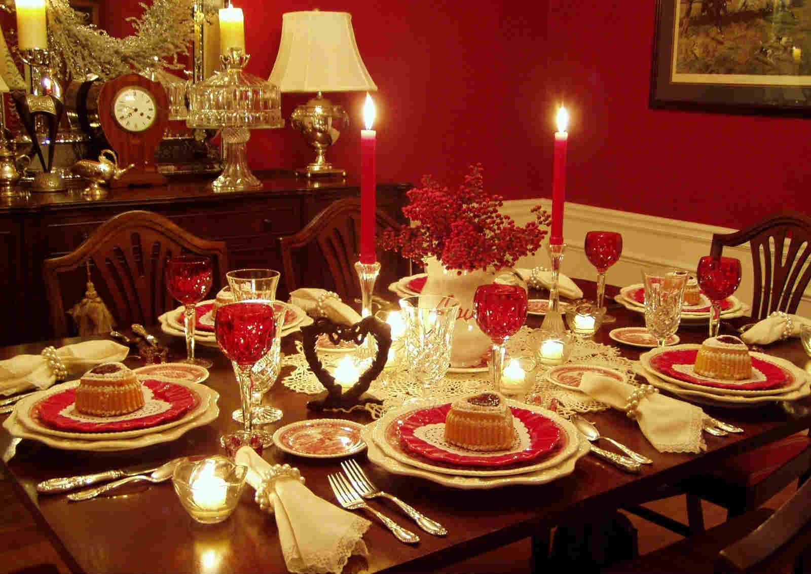 Стол на новый год в ресторане